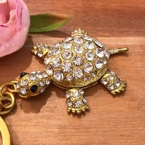 Accessories - Golden Keychain Turtle with sparkly stones
